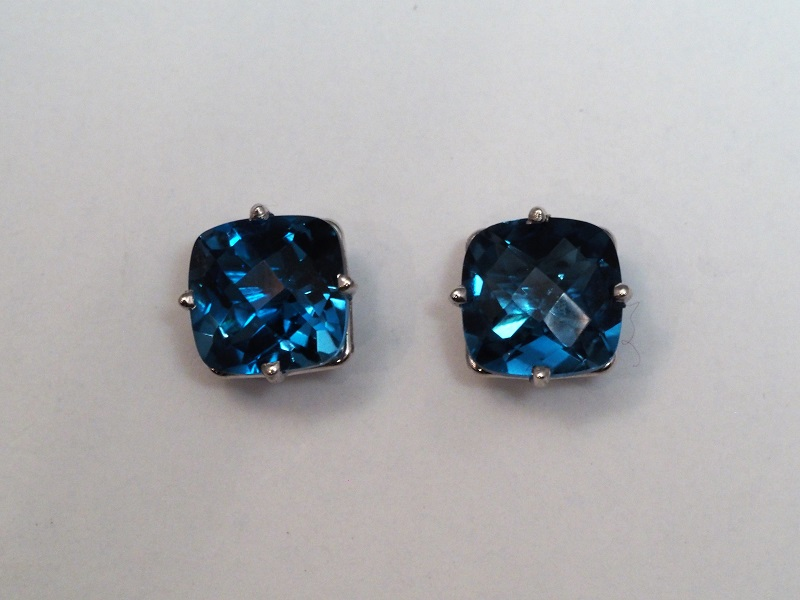 14k White Gold London Blue Topaz Earrings 378